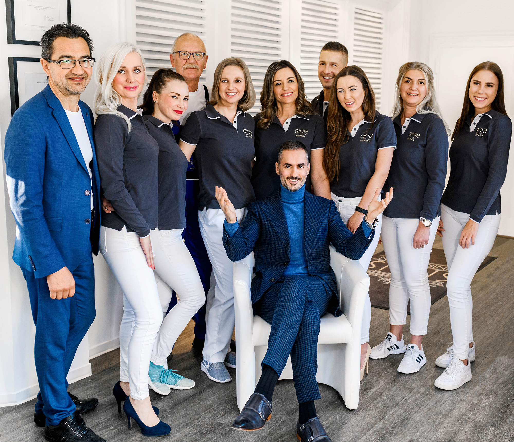 https://www.sinis-aesthetics.de/wp-content/uploads/2020/01/Team-Picture.jpg